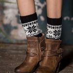 Knitting Wool Boots Autumn And Winter Hit The Color Sets Socks Leggings Mixed Colors Short Paragraph Christmas Snowflake Socks - Old Khaki / White